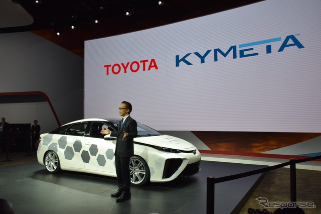 Toyota Mirai-based research vehicle with satellite communications function (2016 Detroit Auto Show)
