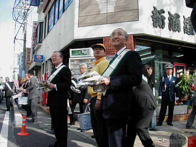 Awareness-raising activities to Kanda Governor and President Watanabe (photo: Nakajima Minami)