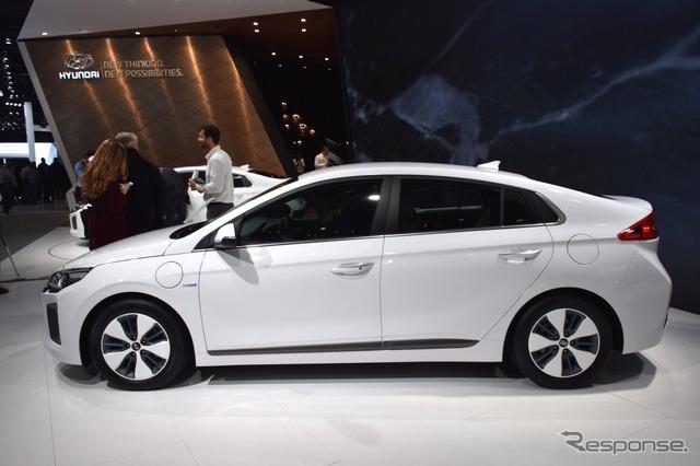 Hyundai Ionic plugin (16 Geneva Motor Show)