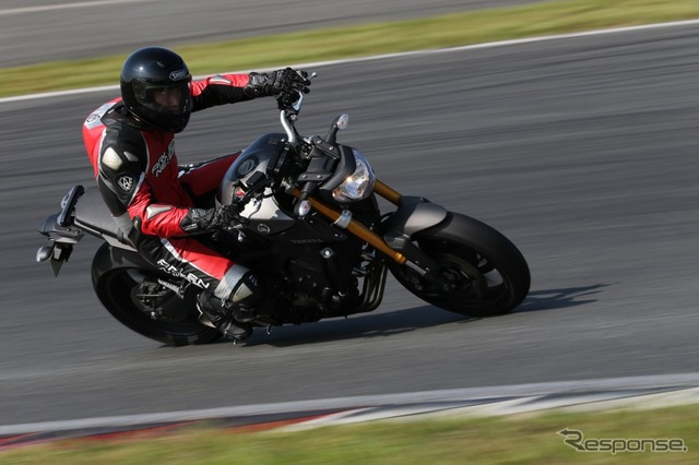 Fuji Speedway motorcycle riding lessons