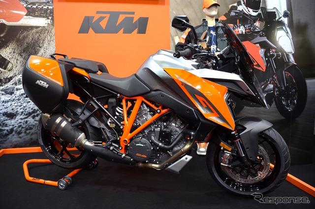 KTM เป็นปฐมทัศน์ญี่ปุ่นและ supersportstshearer 1290 SUPER DUKE GT