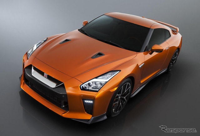2017 of the Nissan GT-r model.