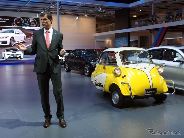 Matthias, Palatinate, CEO of speech next to the Isetta to BMW (Thailand)