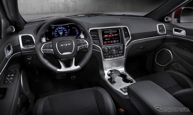 Jeep Grand Cherokee SRT-2015 Design of the gear lever is the question.