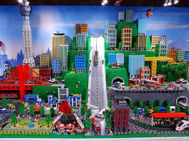 คาราวานรถเลโก้เมืองสองฤดูกาลจากอาจถึงสิงหาคมในคิตะกีวชู โคชิโมะ มัทซึ และนาโกย่า