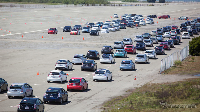 Toyota sets new record with 332 hybrids