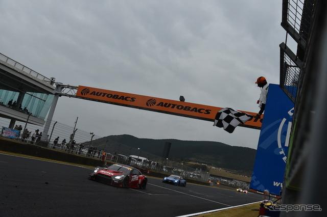 Last year's SUPER GT autopolis battle