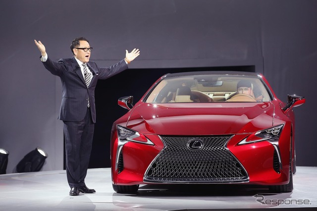 LC500 Lexus and Toyota President (16 Detroit Motor Show)