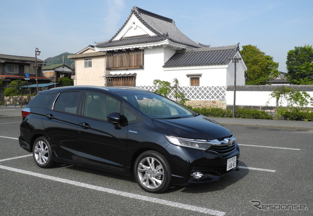 6 night/7 day car night in the Honda shuttle. In the parking lot of the Hagi Museum