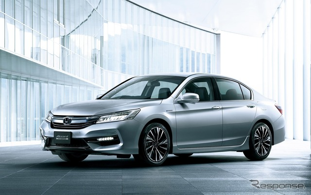 New Honda Accord Hybrid with the signal information use driving assist system