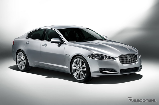 Its predecessor was the Jaguar XF