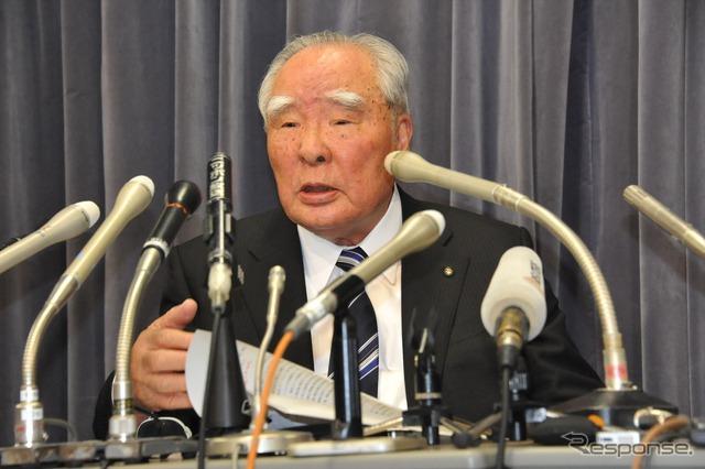 Suzuki decline in fuel fraud problem CEO Osamu Suzuki, Chairman (images)