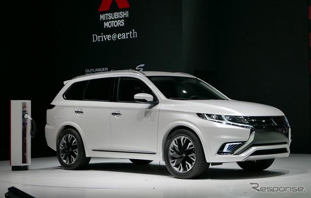 Mitsubishi Outlander PHEV (2015 Shanghai Motor Show)