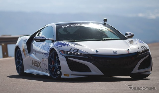 Winner of the mass production class, the new model Honda NSX