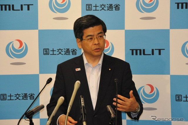 Transport Minister Keiichi Ishii (6/28, Kasumigaseki), talks about a National Highway 57, recovery