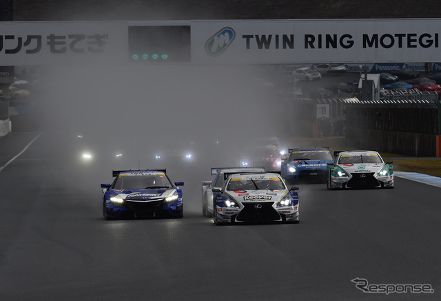 SUPER GT final round last year at Motegi (start of the GT500 class)