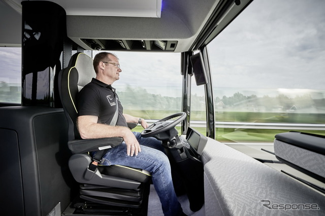 Mercedes automated driving bus