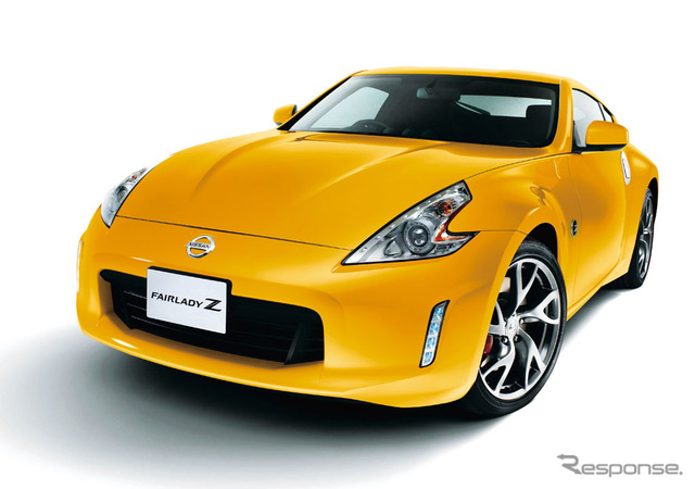 Premium Ultimate Yellow on the Nissan Fairlady Z