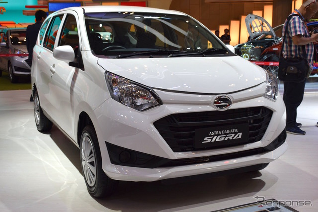 Daihatsu Sigra (2016 Indonesia International Auto Show)