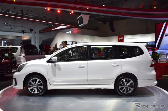 Nissan Grand Livina (2016 Indonesia International Auto Show)