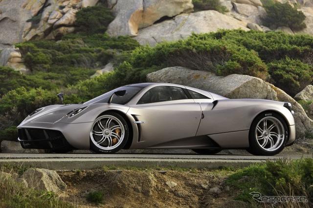 イタリアのパガーニ社のスーパーカー、ウアイラ