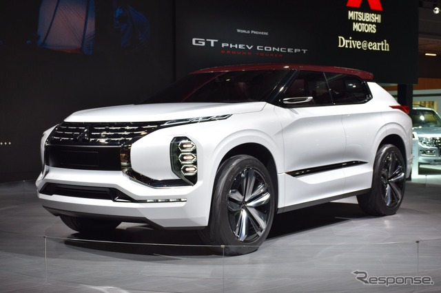 Mitsubishi GT - PHEV Concept at 2016 Paris Motor Show