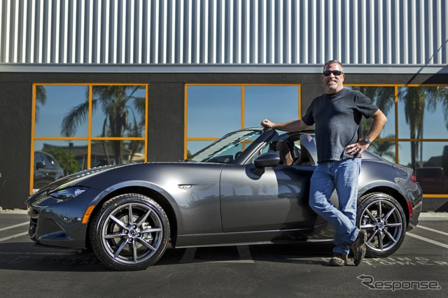 Mazda delivers 2017 MX-5 Miata RF to first customer in the US
