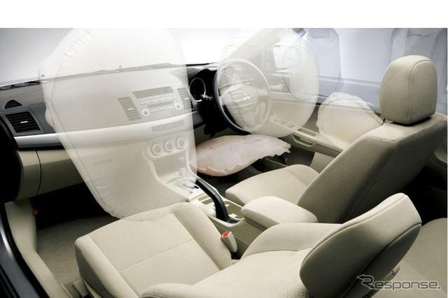 Airbag [Mitsubishi GALANT Fortis ประกาศ] เป็นอุปกรณ์มาตรฐาน
