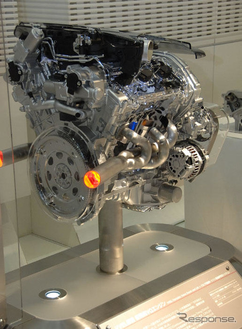 "Nissan ""best 10 engine VQ"", winning 14 consecutive years"