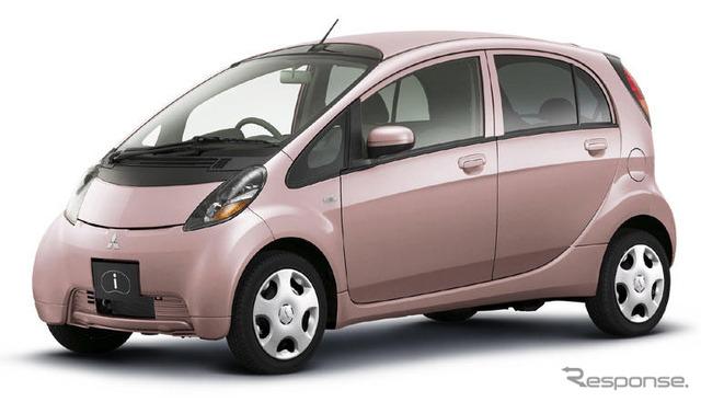 รถพิเศษพร้อมกับคุณลักษณะด้านความปลอดภัยสะดวก Mitsubishi ฉัน