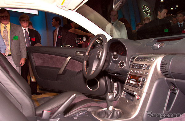 [New York, preliminary figures for 2002 show] 'Nissan Skyline Coupe---room elegance