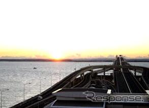 2008 Sunrise image = Tokyo Bay Crossing Road providing