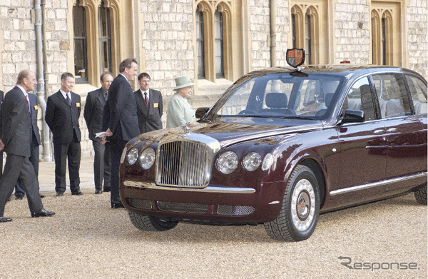 The British Queen, ジャーマンテイスト limousine... The Bentley State limousine""