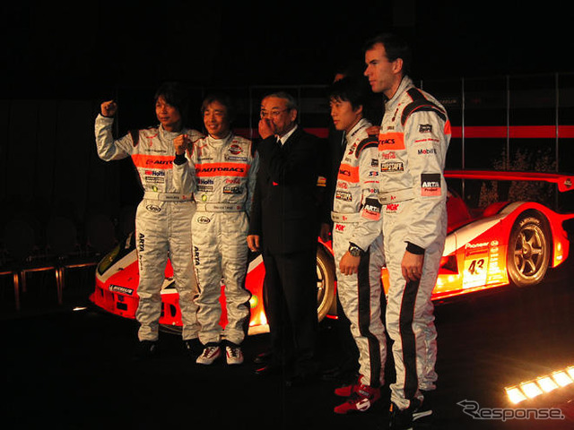 From left, Nitta, Takagi, AUTOBACS 湧田 Mr. izawa, Furman