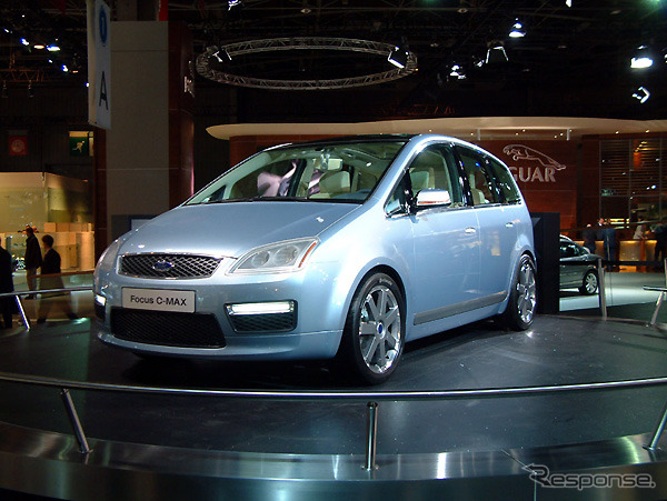Ford C-MAX Design of the face slightly different from the current focus Upcoming focus family first hand or even photo: Archivio Perini