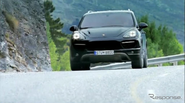 PR image introduced the driving scenes of different grades of Cayenne