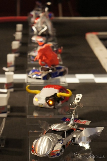 Running machines made from empty cans... Red Bull Racing Can