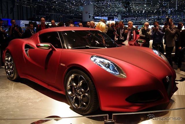 Said that there appeared the Maserati specs based on Alfa mini sport possibilities Photos Alfa Romeo 4 C concept.