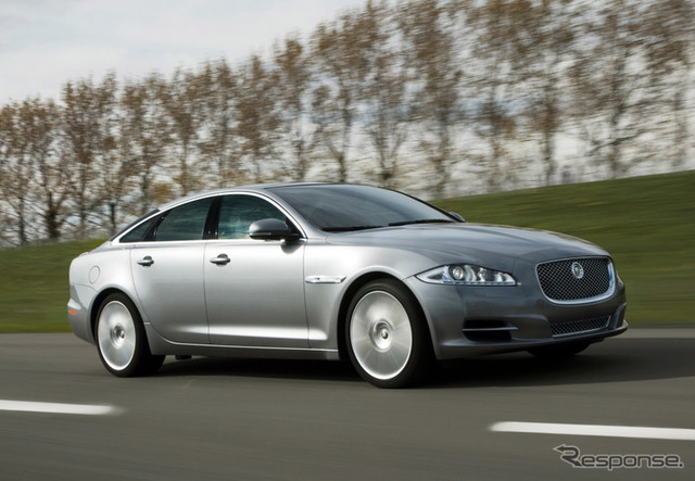 รถยนต์ Tata มาไม่สามารถพัฒนาแล้วเข้าเครื่องยนต์ มีรูปถ่ายเสือจากัวร์แลนด์โรเวอร์แผ้ว XJ