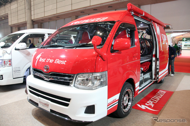 NEEDBOX Hiace (Tóquio Auto Salon 12)