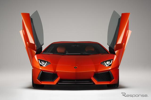 Lamborghini アヴェンタドール LP700-4 (reference image)