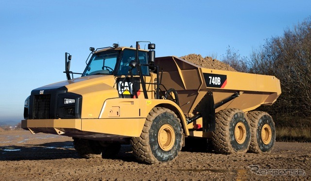 Caterpillar Cat 740B articulate dump truck