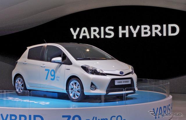 โตโยต้ายาริส (Yaris: ชื่อของสหราชอาณาจักร) ไฮบริ (12 เจนีวา Motor Show)