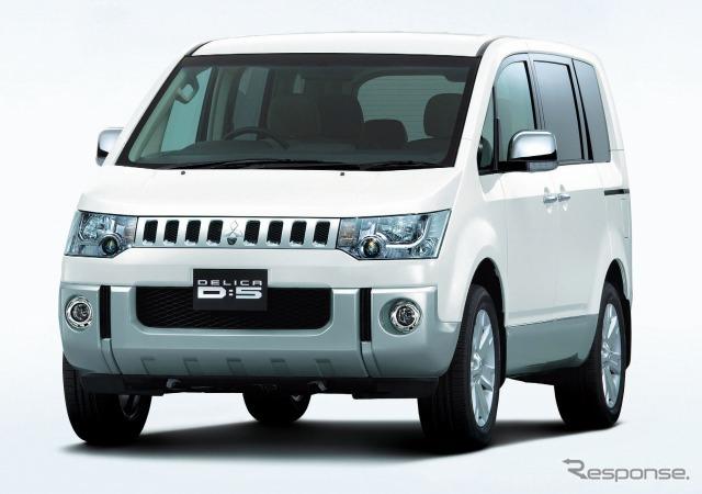 Mitsubishi Delica D:5 G-Premium (4WD)