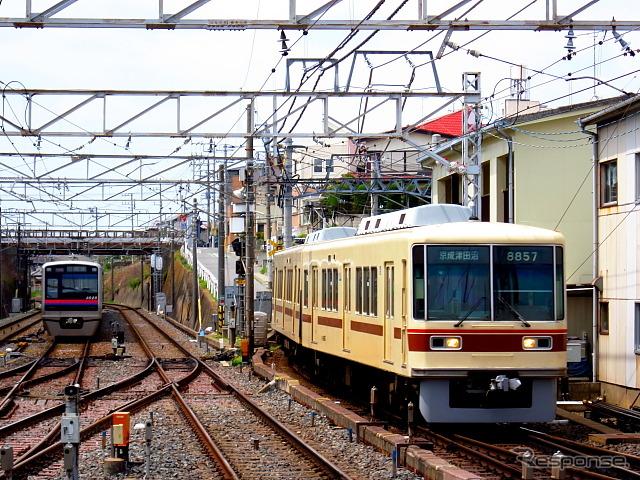 Shin Keisei รถไฟไฟฟ้า (ซ้าย) และ Keisei ไฟฟ้ารถไฟ (ขวา)