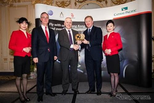 เสือจากัวร์แลนด์โรเวอร์สาขาในประเทศจีนได้รับรางวัล rising star สำหรับรางวัลธุรกิจจีน Pacific เธ่ย์