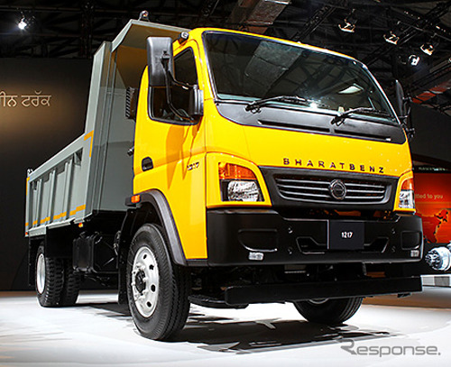 Bharat dan Mercedes-Benz menengah-tugas truk 1217C