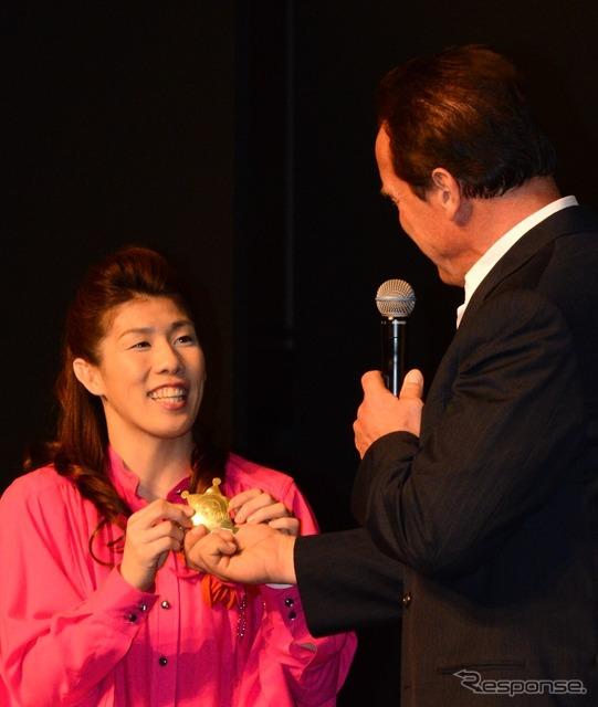 Arnold Schwarzenegger (the last stand press conference) and Yoshida Saki / players