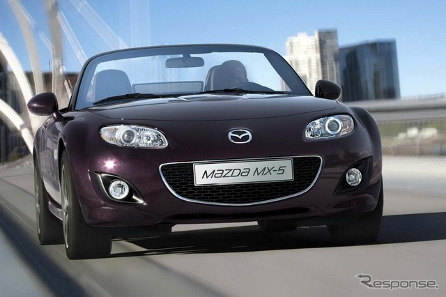 Mazda MX-5 (Japanese name: Roadster)