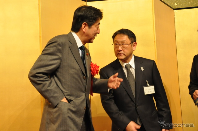 Prime Minister Shinzo Abe and Toyota Chairman Akio ( 2013 from JAMA parties|policy )